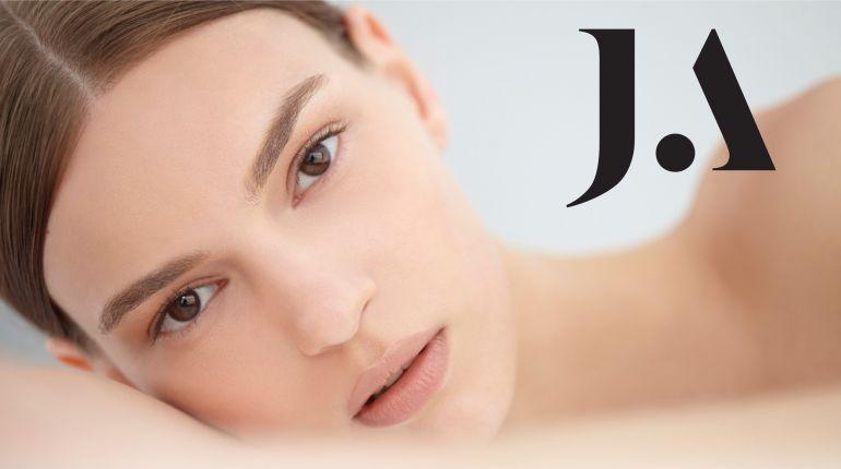Професионална грижа с ново поколение ретиноиди на Juliette Armand